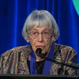 Ursula Le Guin, 19 novembre 2014, National Book Awards.